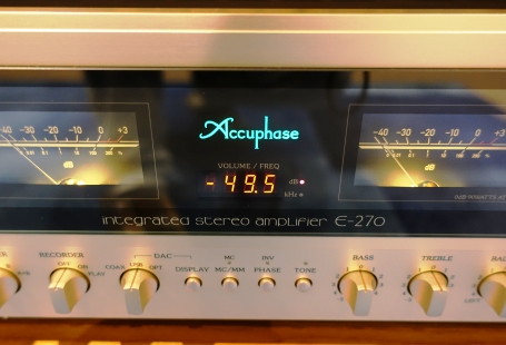 Accuphase E 270 ve studiu